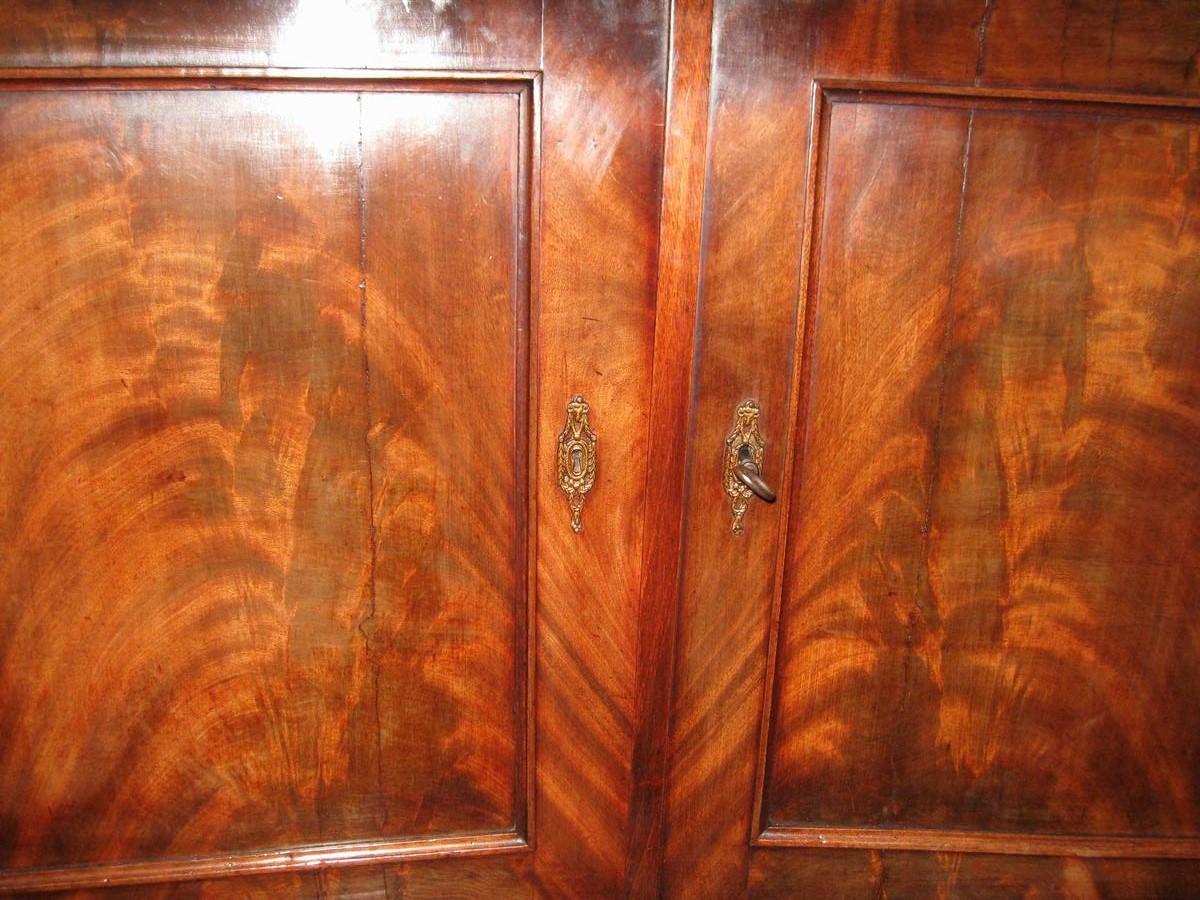 Buffet deurtjes na restauratie