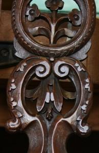 Houtsnijwerk antiek-restaureren