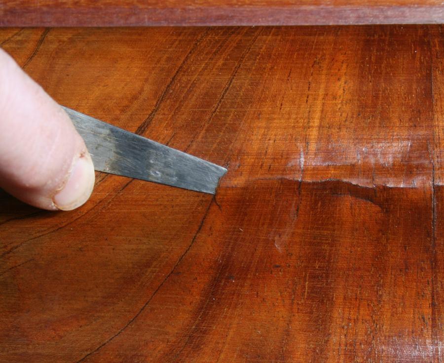 Restaureren van fineer antiek-restaureren